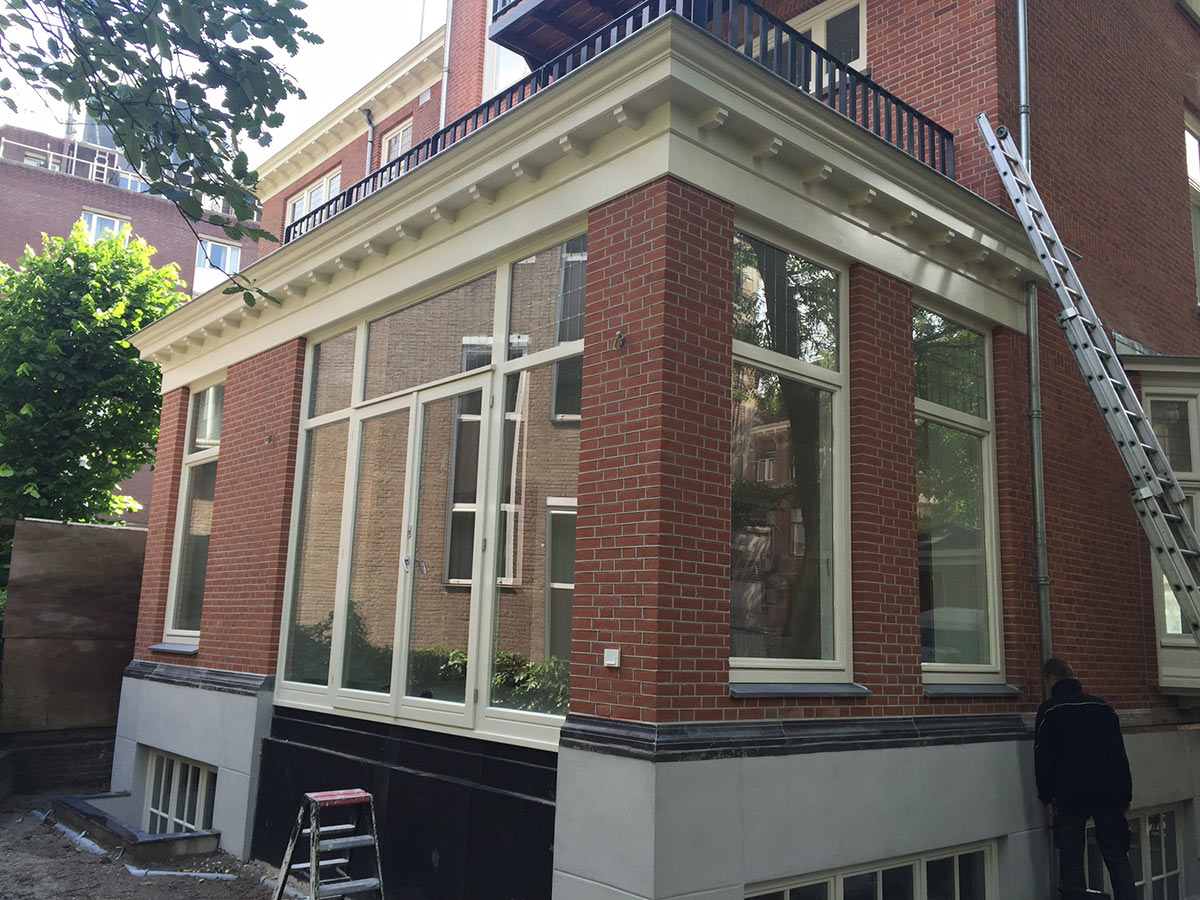 https://www.kroombv.nl/wp-content/uploads/2017/05/Funderingsherstel_aannemer_amsterdam_Kroom_5.jpg