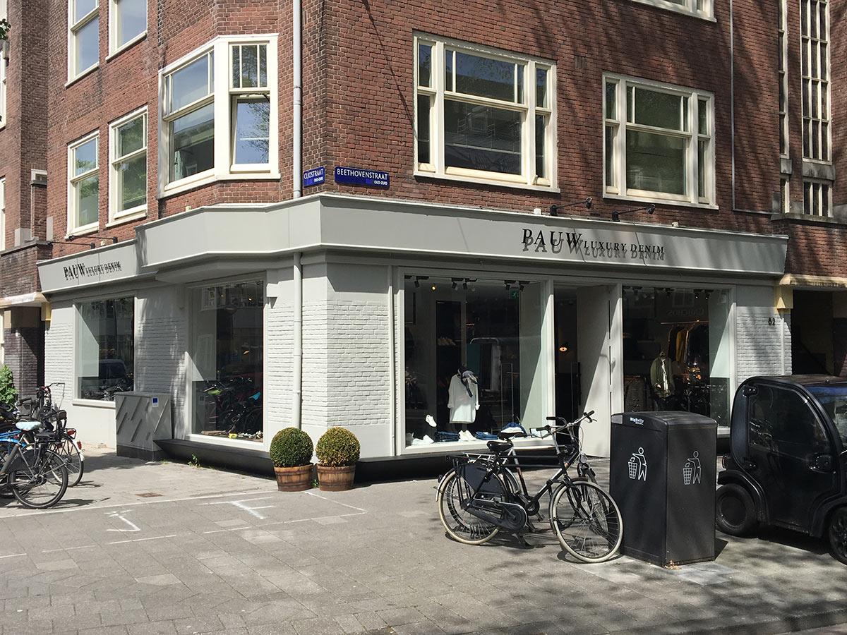 https://www.kroombv.nl/wp-content/uploads/2017/05/aannemer_retail_verbouwing_amsterdam_kroom_2.jpg