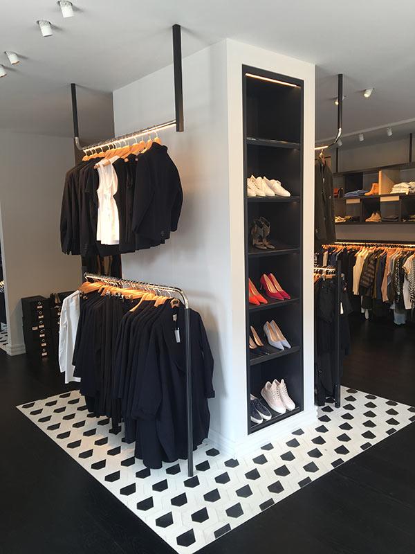 https://www.kroombv.nl/wp-content/uploads/2017/05/aannemer_retail_verbouwing_amsterdam_kroom_4.jpg