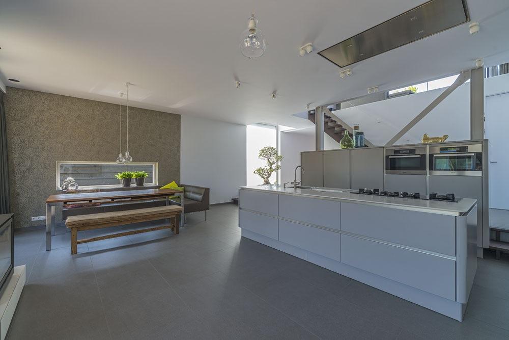 https://www.kroombv.nl/wp-content/uploads/2017/05/villa_nieuwbouw_aannemer_amsterdam_kroom_3.jpeg